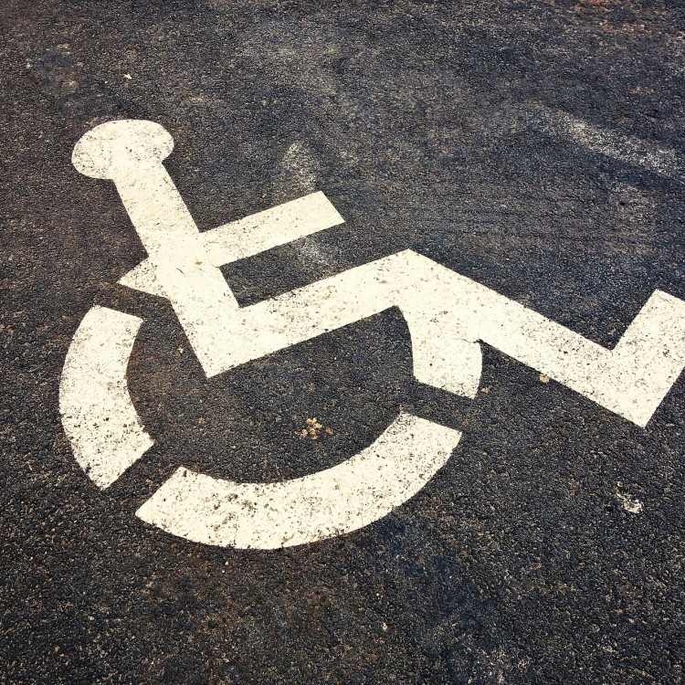 wheelchair-3088991_1920.jpg